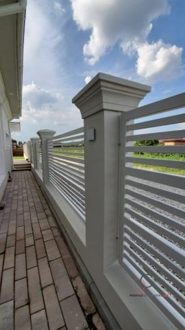 Gardul casei de vanzare Tamas Corbeanca
